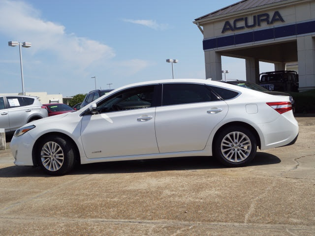 Pre-Owned 2013 Toyota Avalon Hybrid Limited